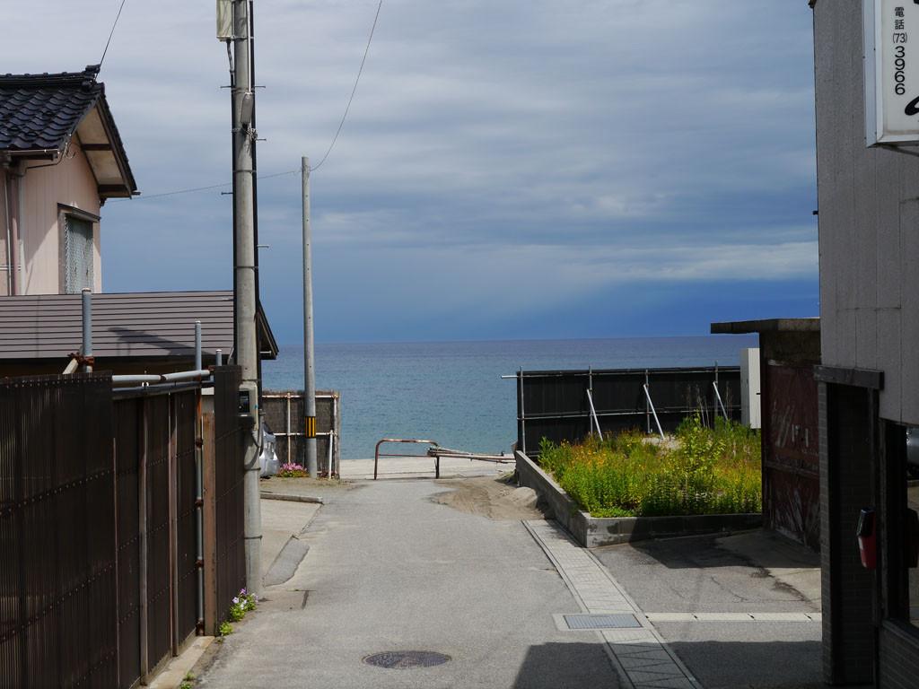 砂浜まで徒歩3分